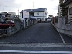 3.駐車場入り口